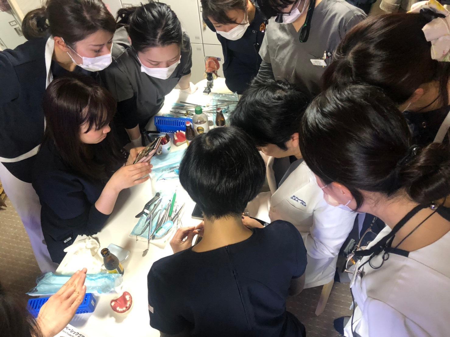 寺嶋歯科医院の院内歯周外科実習
