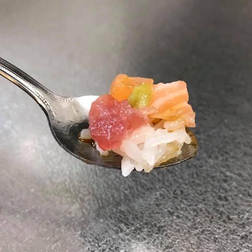ひとさじの海鮮丼.jpg