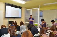 箕面市・寺嶋歯科医院 院内の症例検討会(症例を供覧し、治療方針の決定に際し、ディスカッションを行います。)